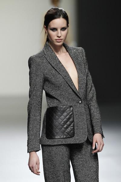 Foto de Ángel Schlesser en la Cibeles Madrid Fashion Week Otoño-Invierno 2011/2012 (7/10)