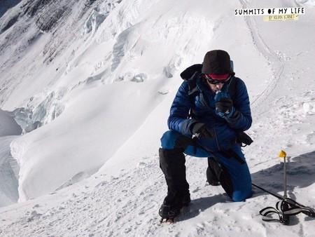 Kilian Jornet conquista la cumbre del Everest sin cuerda fija ni oxígeno suplementario