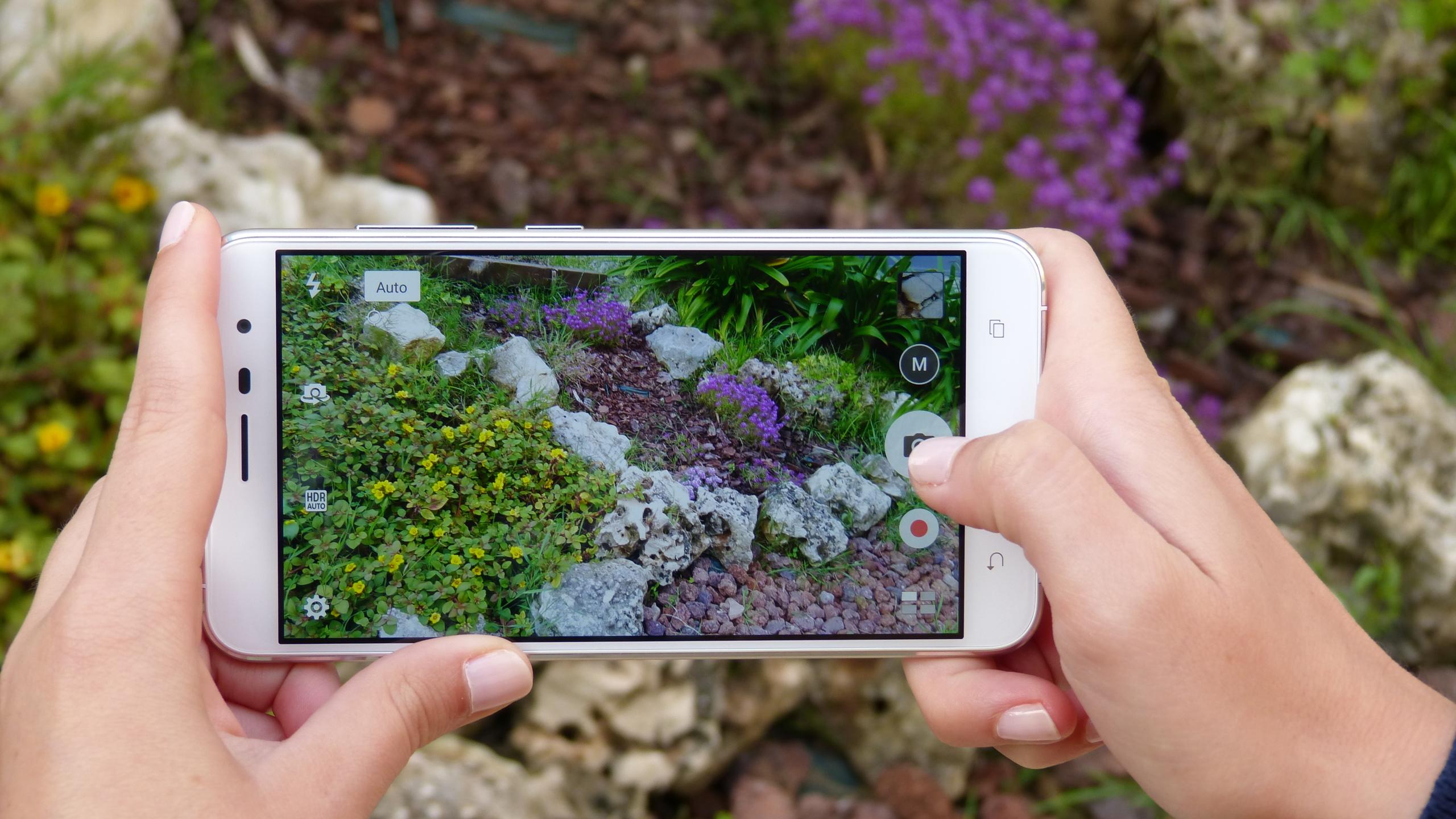 Foto de ASUS Zenfone 3 (ZE552KL), diseño (29/29)