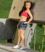 Lammily: una Barbie con celulitis, estrías, granitos... ¡Como la vida misma!