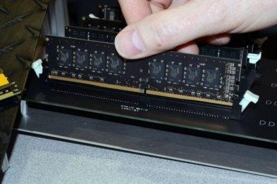 DDR4 ya se muestra, tímida pero a pleno rendimiento