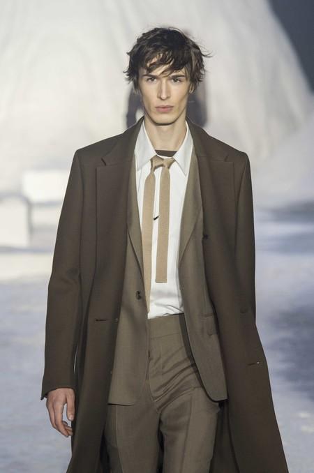 Ermenegildo Zegna Abre La Semana De La Moda De Milan Con Particular Accesorio La Corbata Doble 03