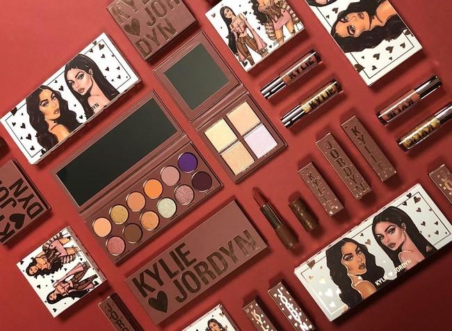 Un primer vistazo a la colección de maquillaje más glitter y viral: Kylie x Jordyn ya está aquí