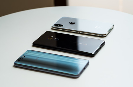 iPhone X, Xiaomi Mi MIX 2 y Honor 9