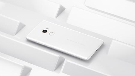 El Xiaomi Mi Mix 2 blanco con 8 GB de RAM y 128 GB llega a España por 699 euros