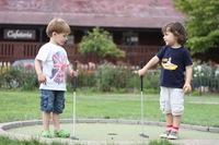 El minigolf para que los más pequeños se acerquen a este deporte