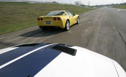 Corvette C6 vs Shelby Mustang GT500