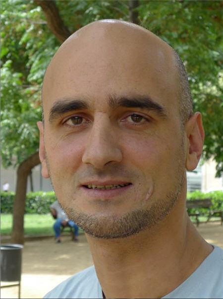'En relación a la identidad masculina, el padre debe ofrecer a su hijo un modelo sano de hombre': entrevistamos a Alberto Mena
