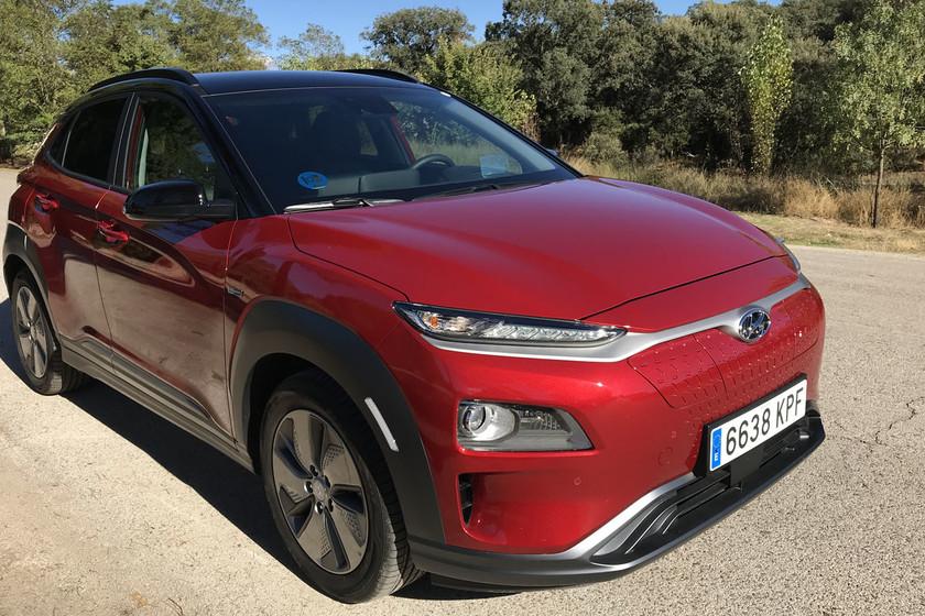 Probamos el Hyundai Kona Eléctrico que, con sus 482 km de autonomía, se adueña del territorio del Tesla Model 3