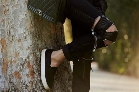 Los ripped jeans se llenan de cremalleras, ¿nueva fashion craze?