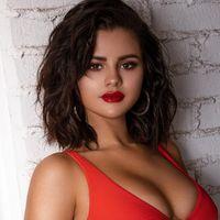 Selena Gomez ha diseñado los trajes de baño perfectos para tapar cicatrices con mucho estilo este verano