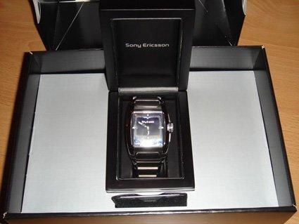 Unas imágenes del MBW-100, el reloj con Bluetooth