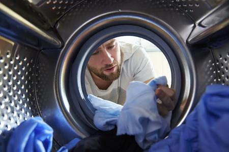 ¿Por qué se encoge la ropa cuando la metemos en la secadora?