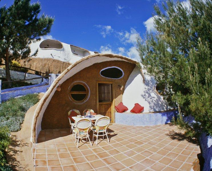 Esta semana santa duerme en un hotel rural con forma de caracol - Casa rural original ...