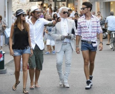 Karl Lagerfeld de vacaciones en Saint-Tropez junto a Baptiste Giabiconi