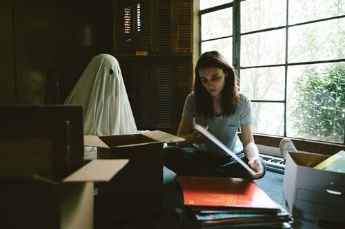 'A Ghost Story': la demoledora obra maestra de David Lowery sobre la pérdida y la eternidad llega a Netflix