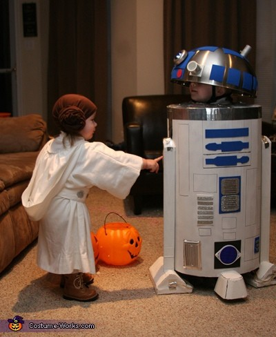 R2d2 And Princess Leia