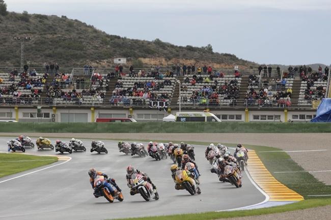 Salida Moto3 - Valencia