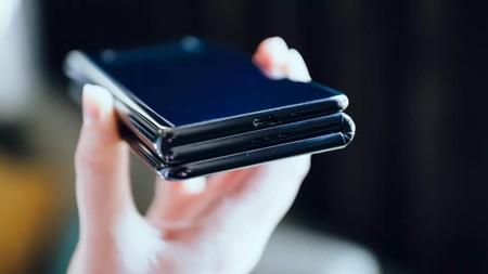 Tcl Smartphone Plegable Tres Partes 3