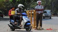 Policías de cartón para vigilar el tráfico en India