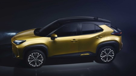 Toyota New Yaris Cross High Profile Left