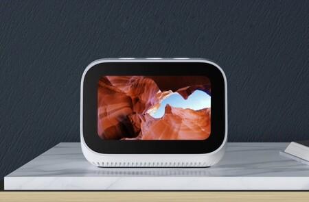Xiaomi Mi Smart Clock: el reloj conectado con pantalla táctil, asistente de voz y compatible con Chromecast