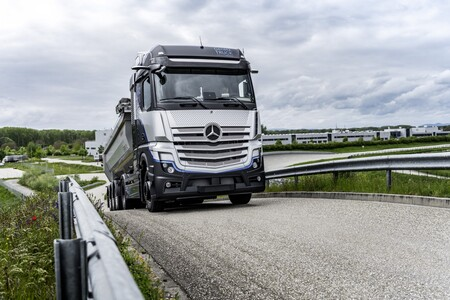 Mercedes Benz Genh2 Truck 08