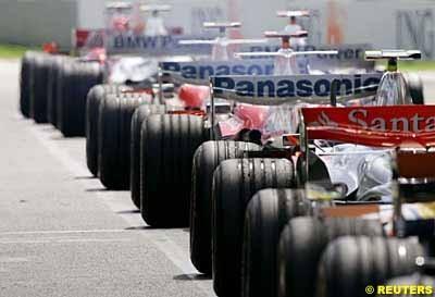 Bridgestone reconsidera la solución del punto blanco