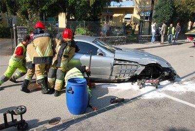 Dolorpasión™: Un Mercedes-Benz SLR sufre las consecuencias del alcohol