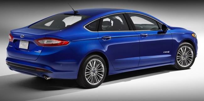 2013 Ford Fusion Hybrid 04
