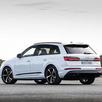 El Audi Q7 60 TFSIe quattro desembarca en España: un SUV híbrido enchufable de 456 CV por 89.460 euros