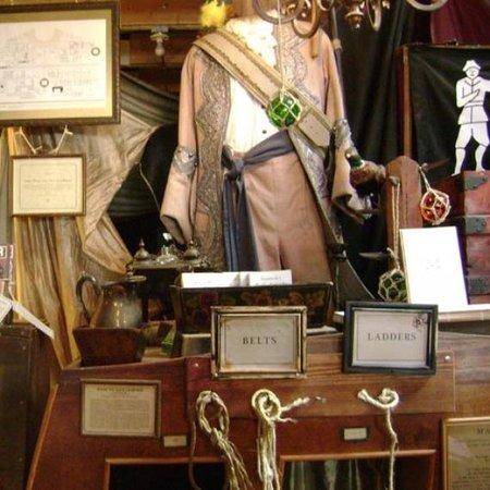 pirate-shop-826-valencia1332large_slideshow.jpg