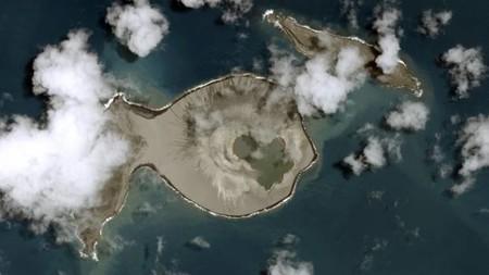 La NASA vio nacer esta pequeña isla en directo y ahora la ha visitado