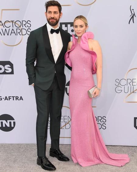 El rosa chicle es perfecto para la alfombra roja y así nos lo ha demostrado Emily Blunt en los SAG Awards 2019