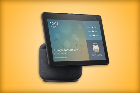 Nuevo Echo Show 10 ya disponible en Amazon México: al comprarlo puedes tener un descuento en un smartplug o un foco inteligente