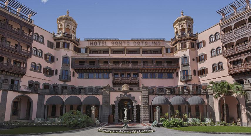 Santa Catalina, el histórico hotel canario que es como una galería de arte
