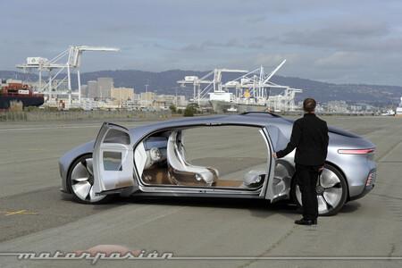 Coche Autonomo Mercedes Benz 1