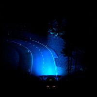 Así son los faros predictivos inteligentes de Ford, que se anticipan mostrando curvas y cruces durante la noche