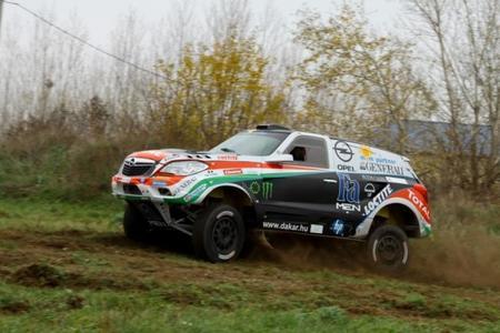 Dakar 2013: el Opel Antara RR de Balazs Szalay
