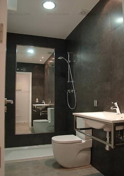 Un espejo dentro de la ducha, ¿buena o mala idea?