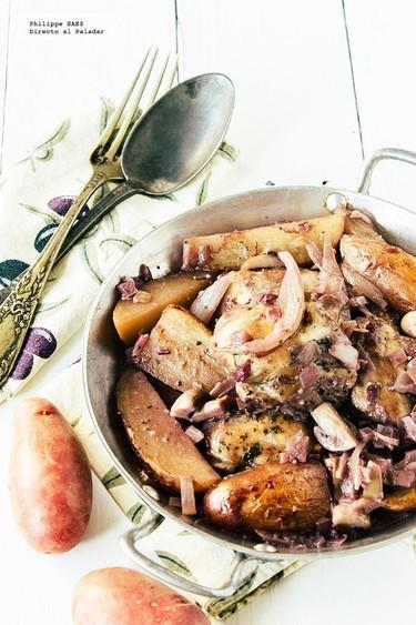 Pollo al vino tinto con champiñones y papas. Receta