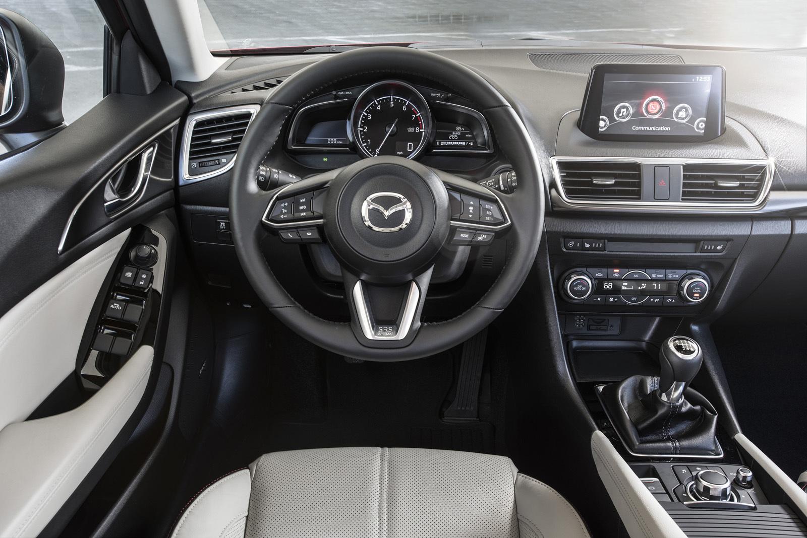 Foto de Mazda3 2017 (19/31)