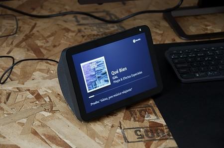 Amazon Echo Show 8, análisis: difícil resistirse a su polivalencia con un precio así