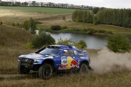 Carlos Sainz repite victoria en el Rally Ruta de la Seda