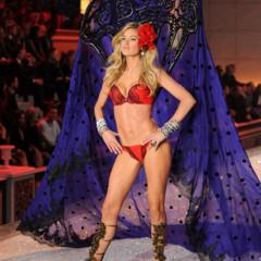 Foto 48 de 57 de la galería el-desfile-victorias-secret-fashion-2011-todas-las-imagenes en Trendencias