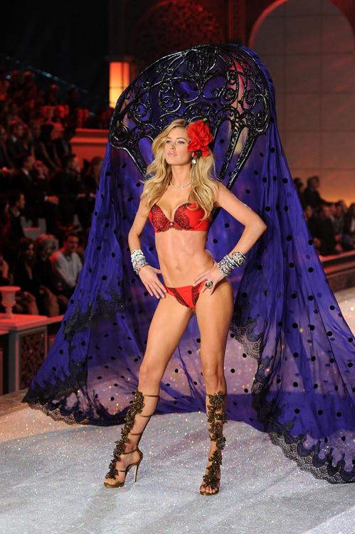 Foto de El desfile Victoria's Secret Fashion 2011: todas las imágenes (48/57)