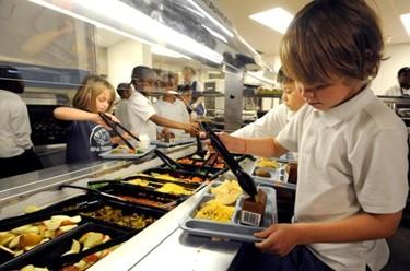 ¿Cómo debe ser el menú del comedor escolar?