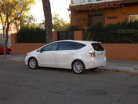 Toyota Prius+ exterior