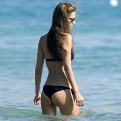 Foto 3 de 31 de la galería famosas-en-bikini-2009-segunda-parte en Poprosa