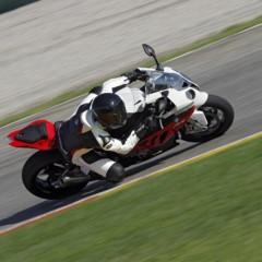 Foto 131 de 145 de la galería bmw-s1000rr-version-2012-siguendo-la-linea-marcada en Motorpasion Moto